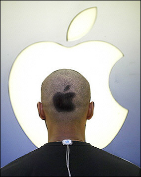 apple_employee.jpg